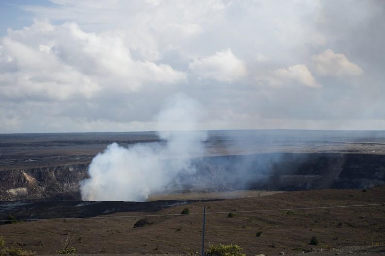 Big Island - Hawaii Volcanoes NP - Krater Halemaumau