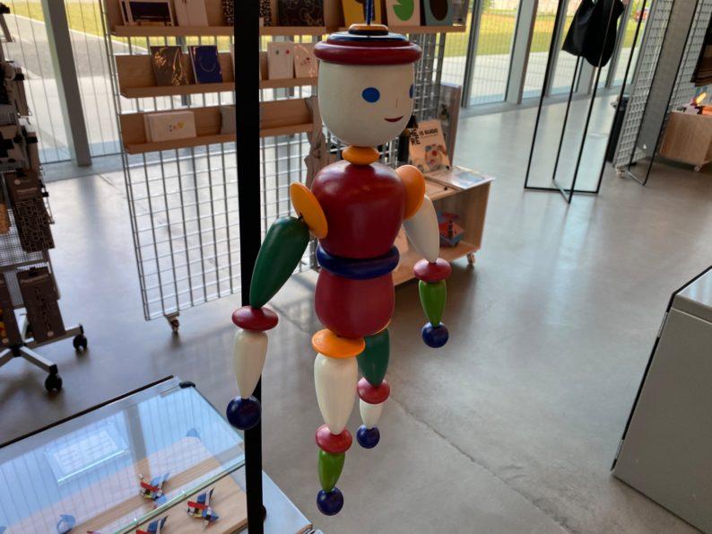 in der Boutique des Bauhaus-Museum