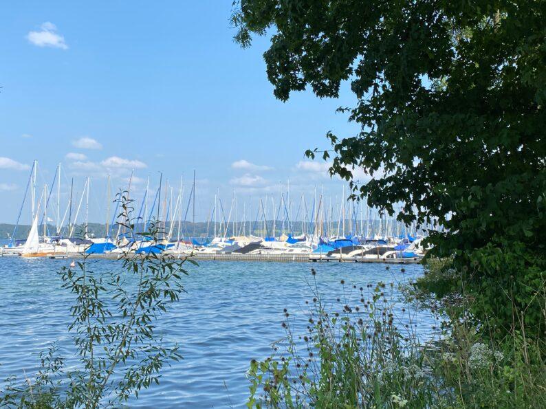 Der Yachthafen von Bernried
