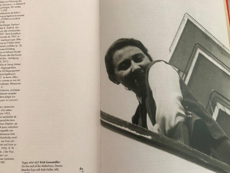 Bauhaus Mädels - Anne Urias auf der Terrasse des Bauhaus Hotels in Dessau