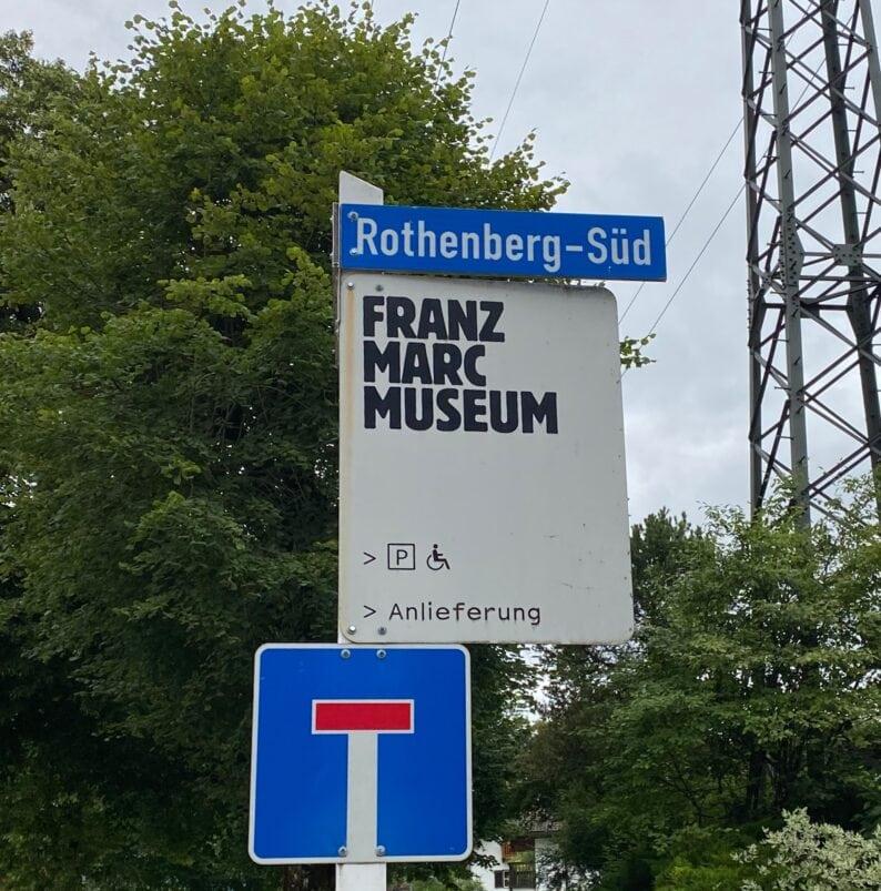 auf dem Weg zum Museum