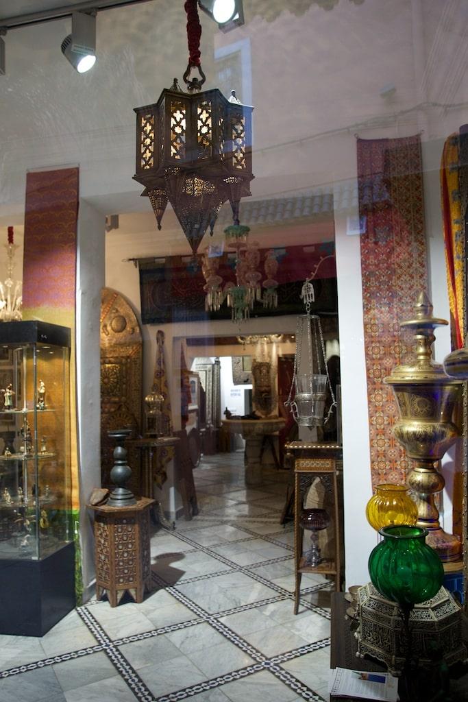 Marrakech - Medina - Antiquitäten Khalid Ar Gallery