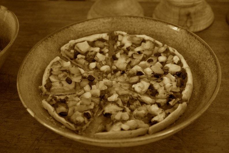 Tanzania - Ruaha NP - Lunch mit veg. Pizza